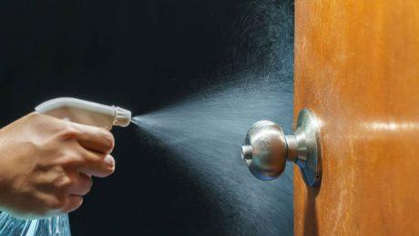 How to clean doorknobs and handles