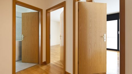 what are the laminate doors and features